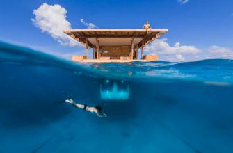 Подводный номер отеля Manta Resort на Занзибаре