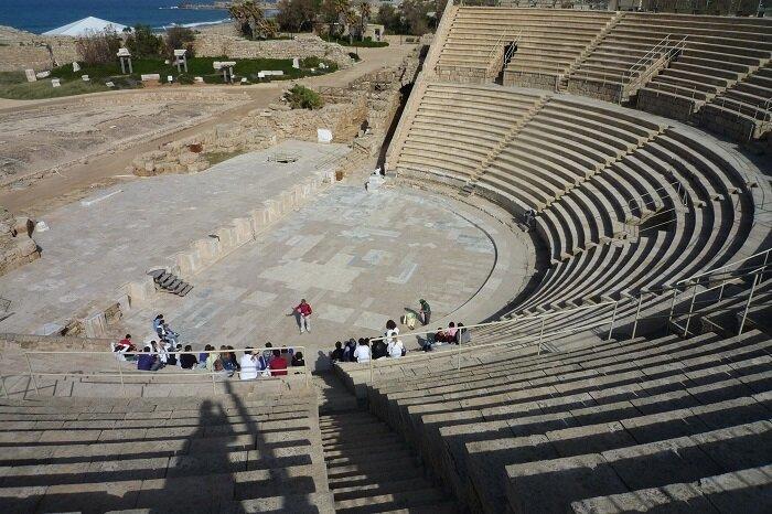 Амфитеатр в Кейсарии