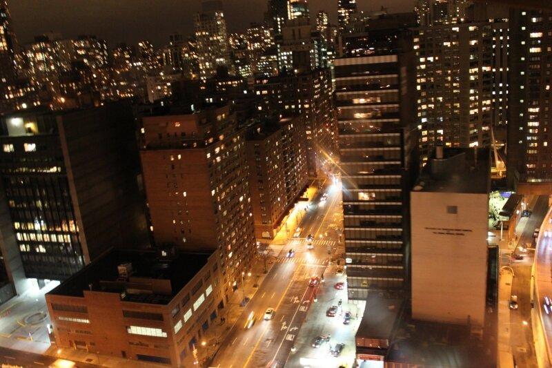 Восточный Манхэттен, вид из трамвая на Рузвельт Айленд