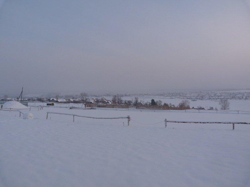 Заснеженный поселок Висим